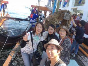 鯛網の船上