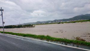 増水した千代川