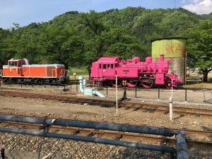 ピンクの蒸気機関車