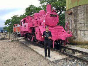 ピンクの機関車と