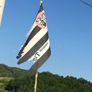 旗もボロボロ・・・
