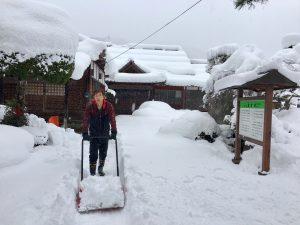 スノーダンプで雪かき
