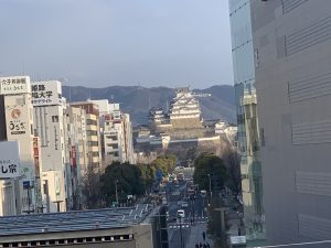 姫路駅ホームからの姫路城