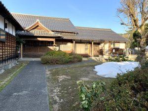 蓮教寺の雪の塊